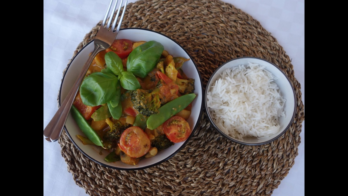 Broccoli and Pumpkin Curry With Mint and Basil
